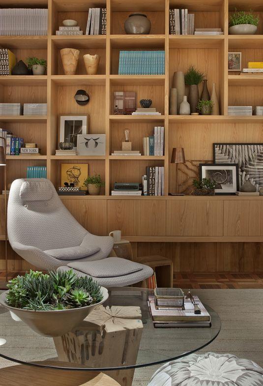 Cantinho de leitura no escritório. Projeto: Cria Arquitetura.