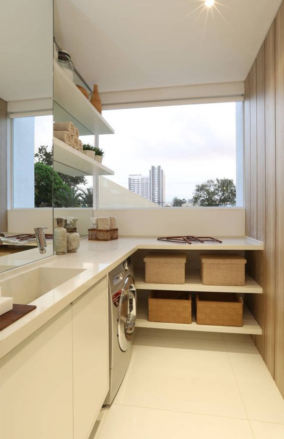 Área de serviço bem arejada. Projeto: Chris Silveira & Arquitetos Associados.