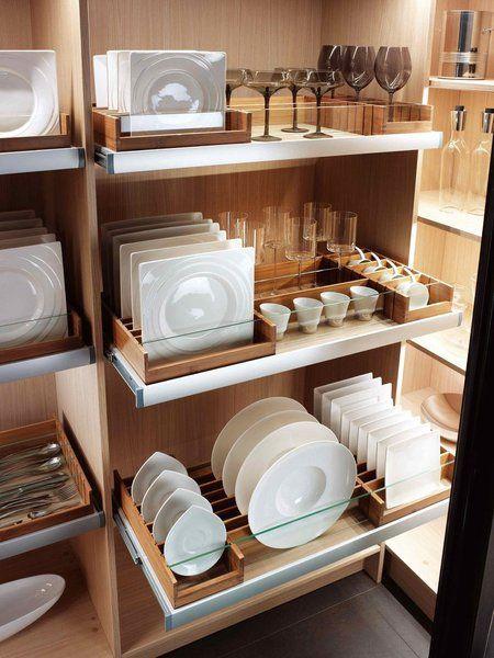 Louceiro de luxo organizado. Foto: Mobalpa.