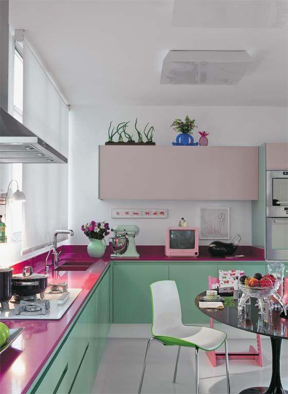 Cozinha verde e rosa. Foto: Casa Abril.
