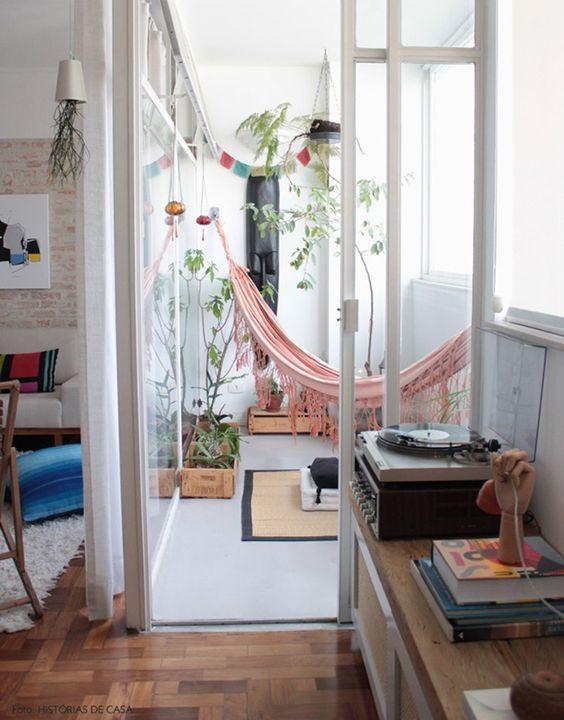Varanda com rede. Foto: Histórias de casa.