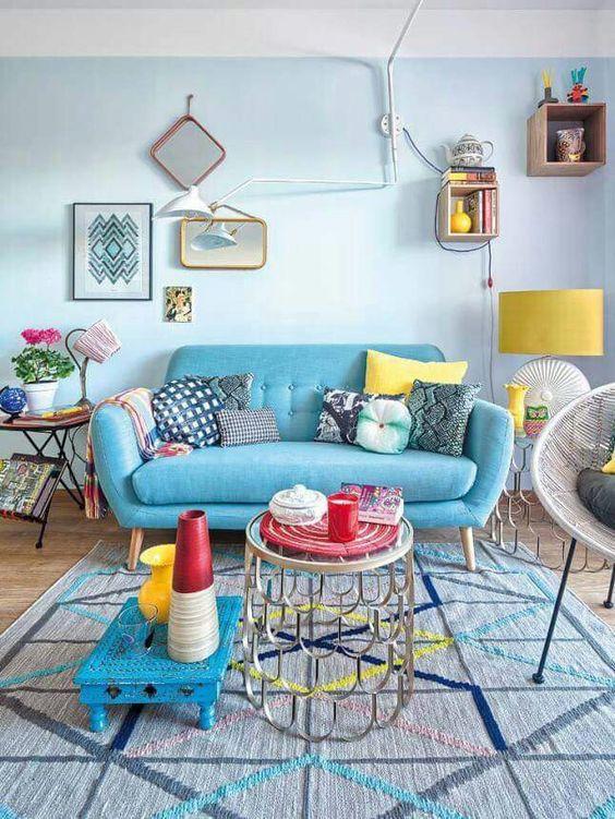 Sala com colorido equilibrado.