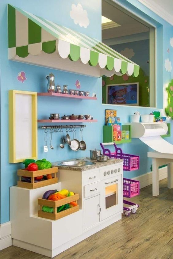 Cozinha de bonecas. Projeto: Carolina Burin.
