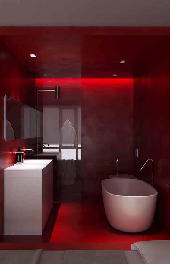 Banheiro todo vermelho.