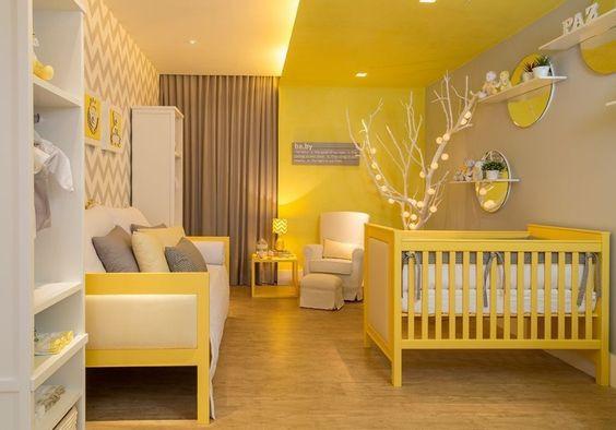 Quarto de bebê amarelo. Projeto: Carpaneda & Nasr Arquitetos Associados.