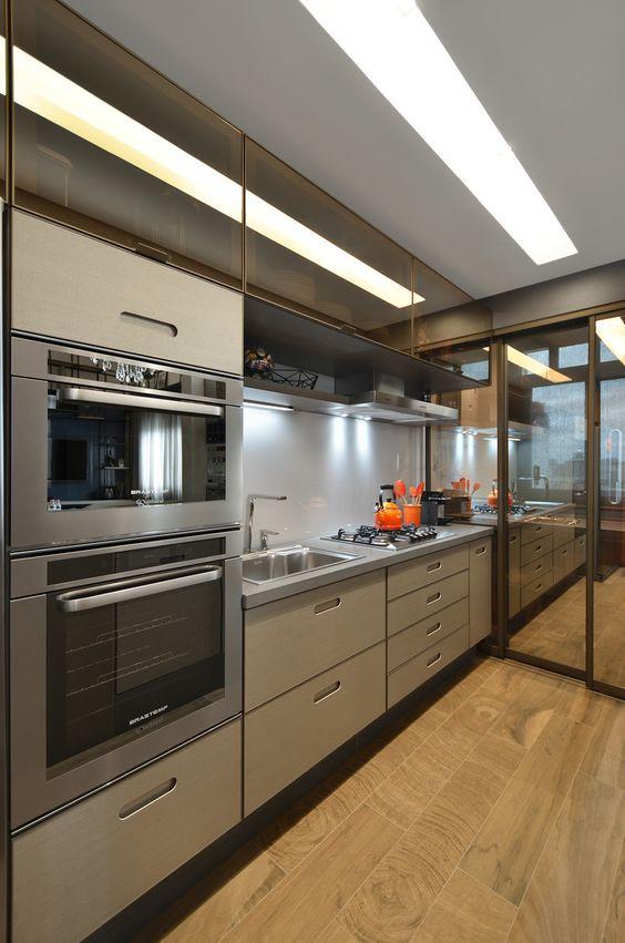 Iluminação de cozinha. Projeto: Studio Colnaghi.
