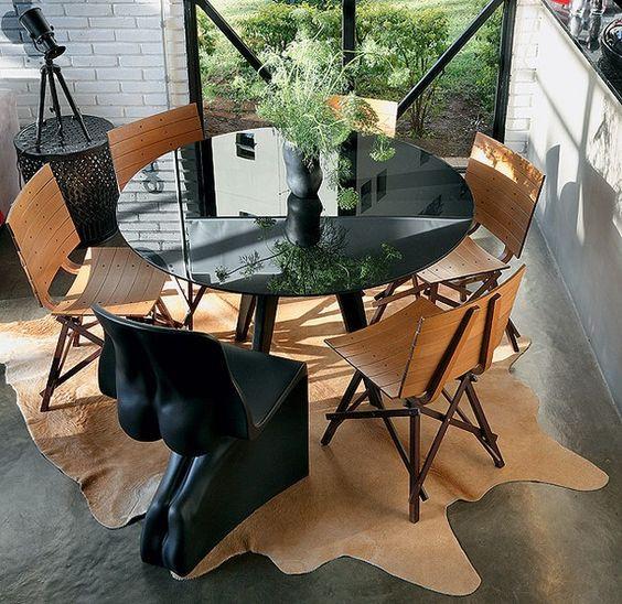 Uma cadeira diferente. Projeto: Bruna Riscali.