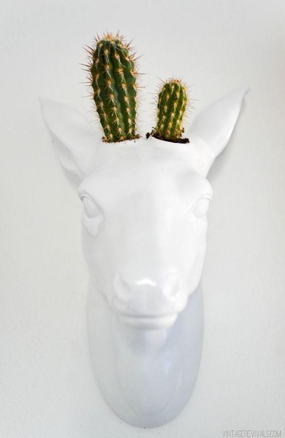 Vaso cabeça de veado. Foto: vintagerevivals.com
