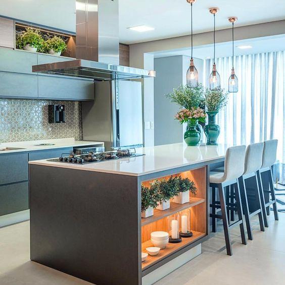 Cozinha com ilha. Projeto: Greice Bonatti.