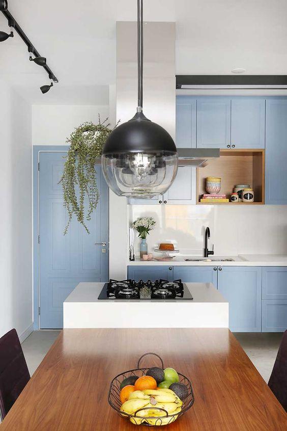 Pendente na cozinha. Projeto: Mandril Arquitetura.