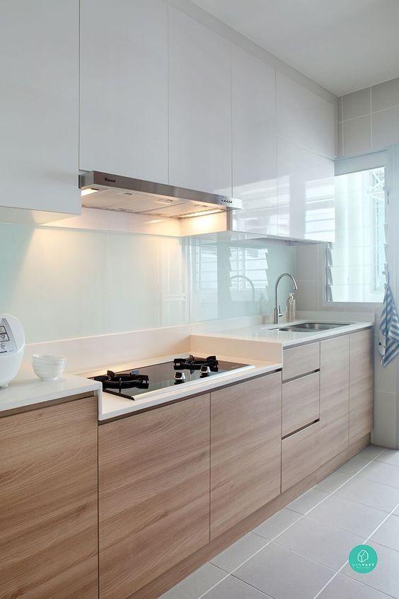 Cozinha com depurador.