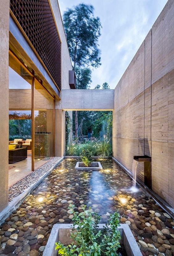 Espelho d'agua e fonte. Projeto: Diez+Muller Arquitectos.