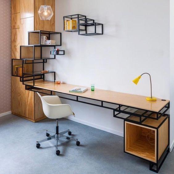Estante/mesa geométrica. Projeto: Filip Janssens.