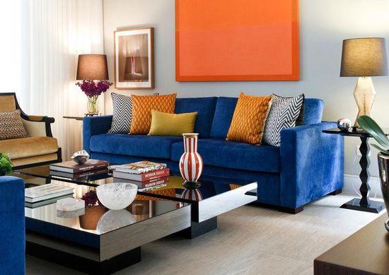Sala azul e laranja. Projeto: Maria Eunice Fernandes.