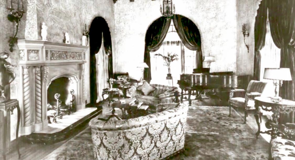 Historic Elliott House Living Room