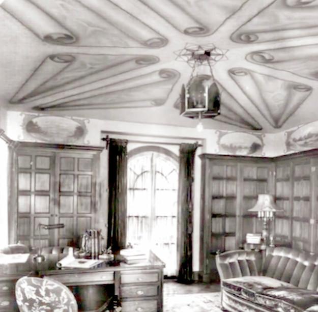 Historic Elliott House Den
