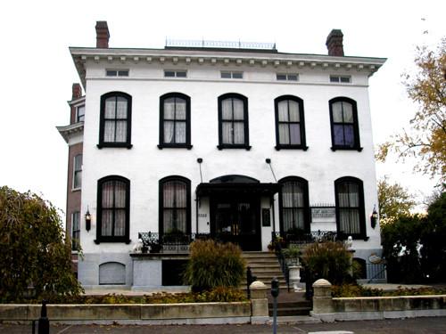 Lemp Mansion.jpg