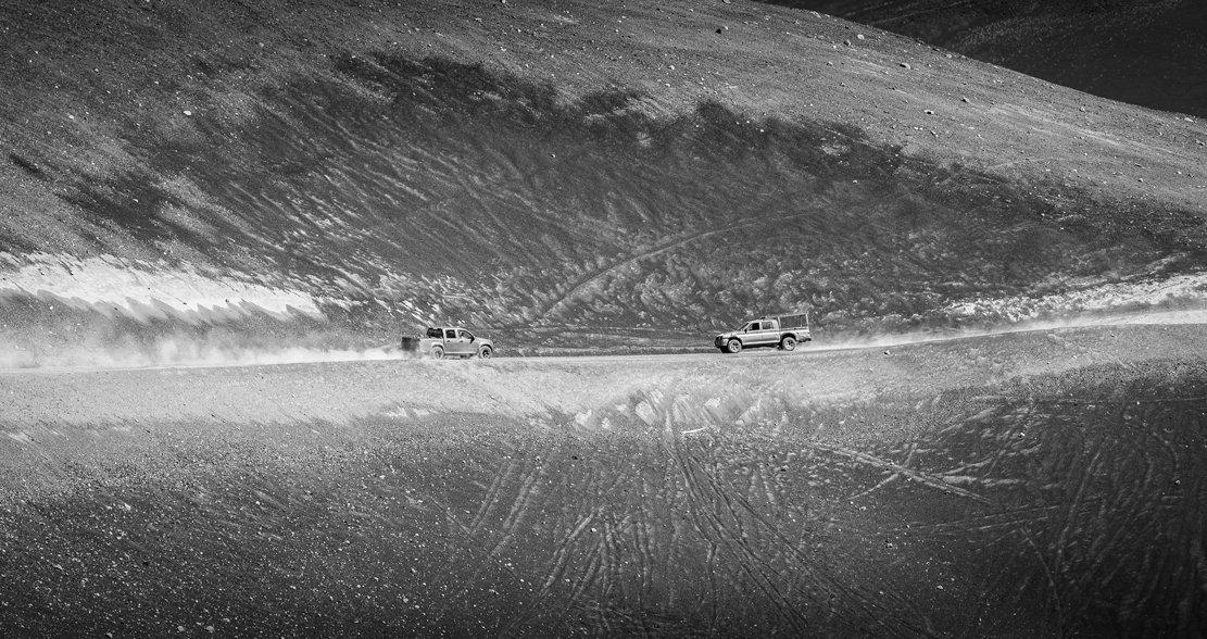 Camionetas en Volcán Lonquimay - Trucks, mountain Volcano - Chile