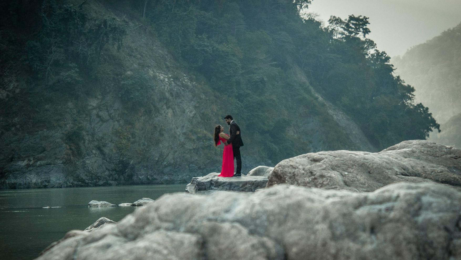 Pareja Rishikesh Ganges