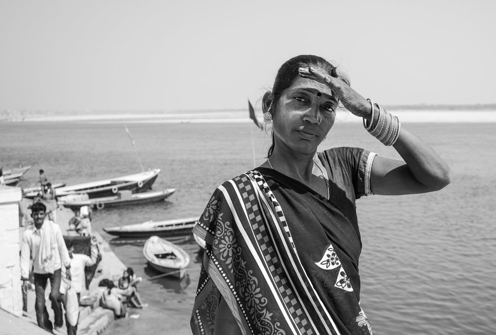Retrato Documental Mujer Varanasi, India - Woman Portrait Ganges