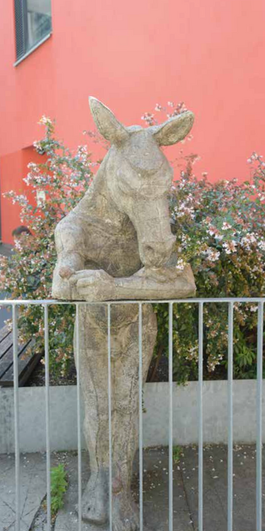 TuVasAimer-edition 2021-Lausanne-statue-
