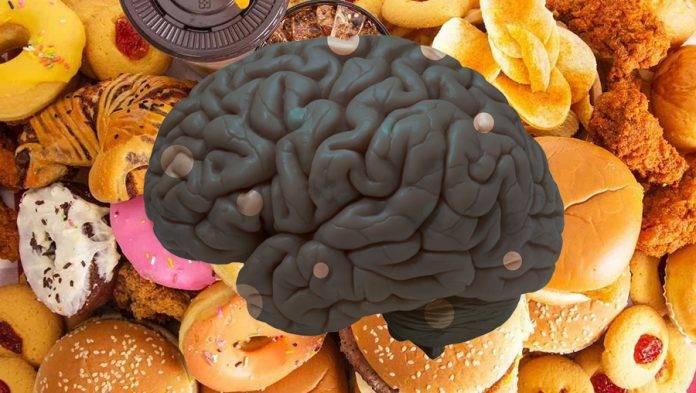 5 alimentos que dañan el cerebro