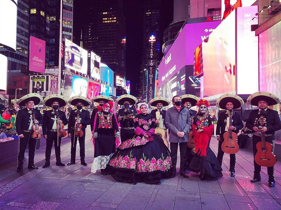 Mariachi Hidalgo Times Square 2020.jpg