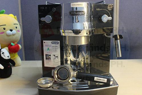 Delonghi EC820.B coffee machine