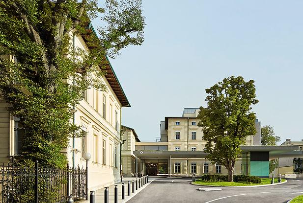 Rudolfinerhaus_Vorplatz 2020.jpg