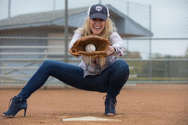 stephanie varone, national anthem, singer, baseball, Baseball