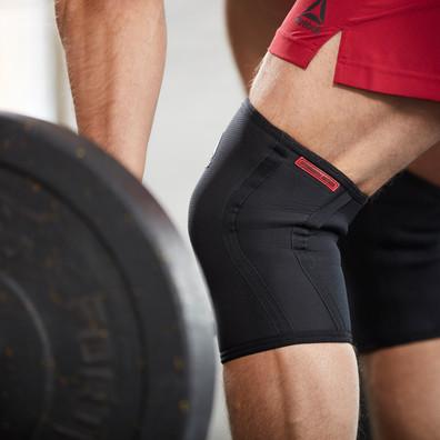 Black & Red Reebok Knee Support Sleeves