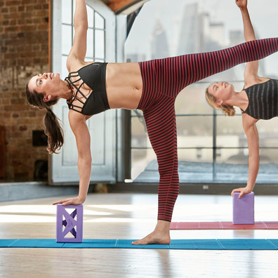 Reebok purple cut-out design yoga block