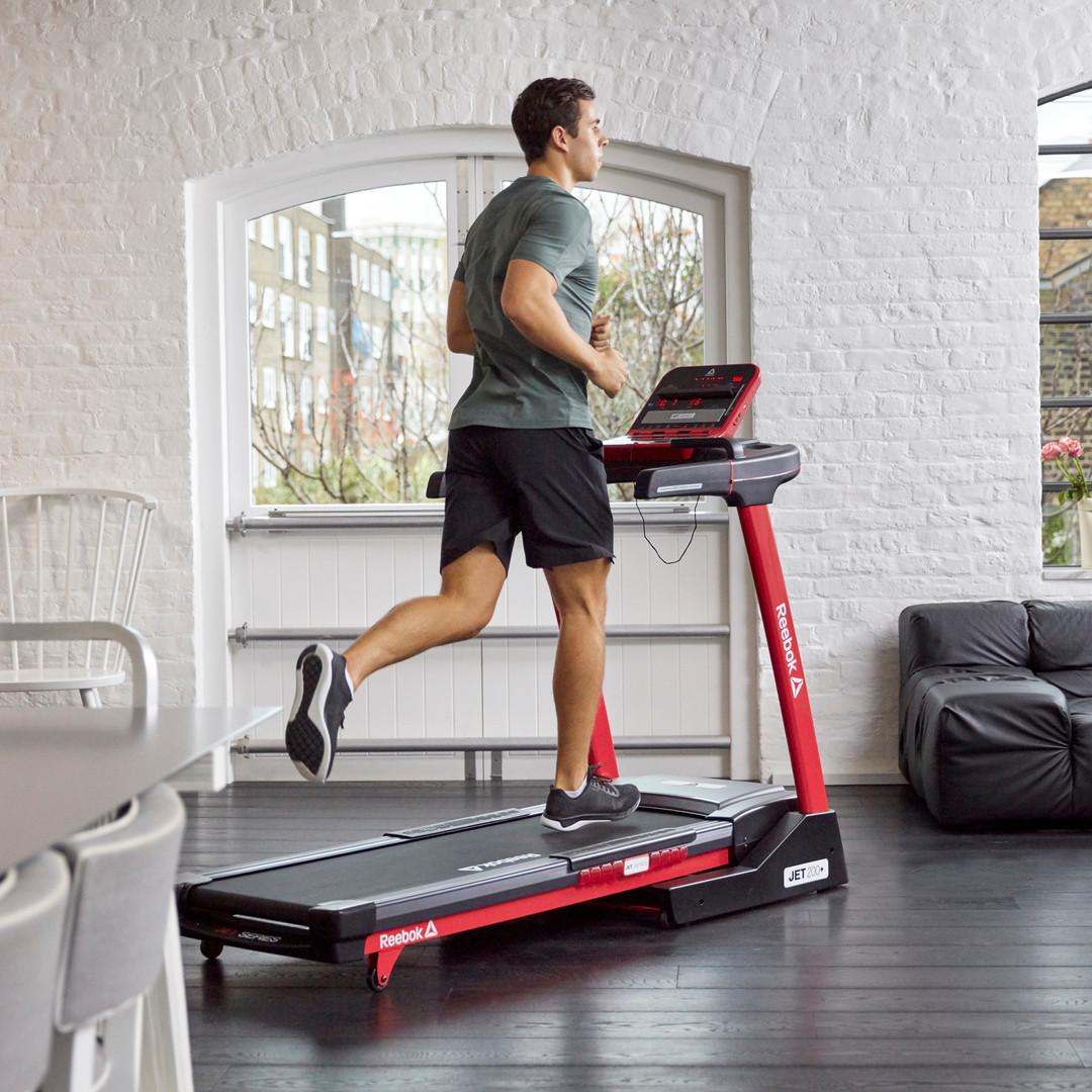 Reebok Jet 200 + Red Treadmill