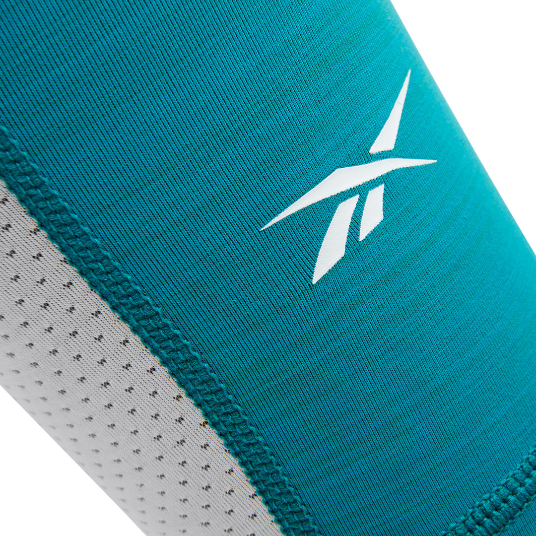 Reebok ACTIVCHILL teal and white leg sleeves