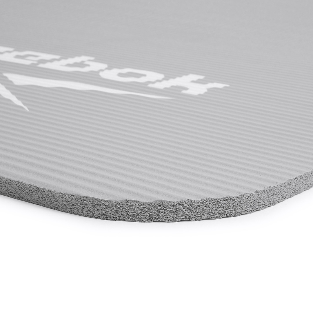 Reebok grey training mat