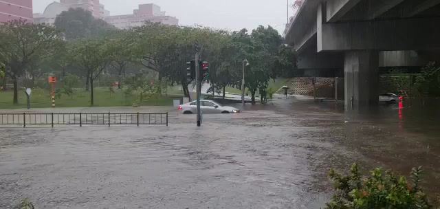 Clash of winds causing heavy rainfall and floods in Singapore