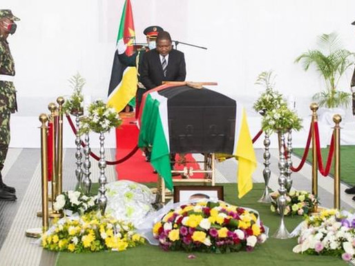 Filipe Nyusi e Ossufo Momade no despedida de Daviz Simango