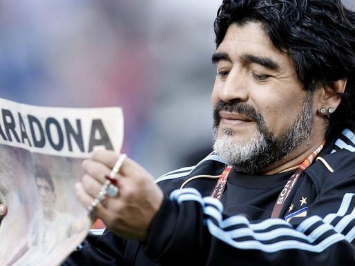 Morreu Diego Maradona, o Deus do futebol, aos 60 anos