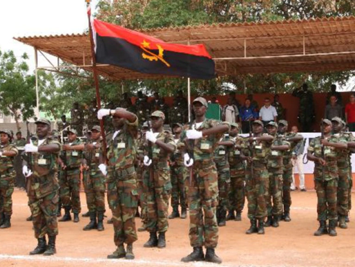 Militares angolanos reforçam SADC e sociedade civil pede respeito pelos direitos humanos