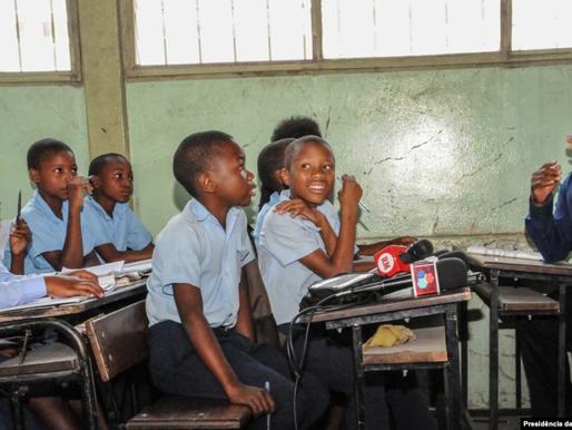 Filipe Nyusi determina reabertura total das escolas para ensino presencial