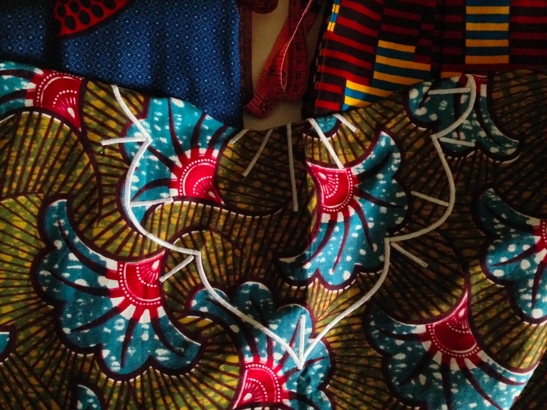 Broderie au dos du kimono Kélé