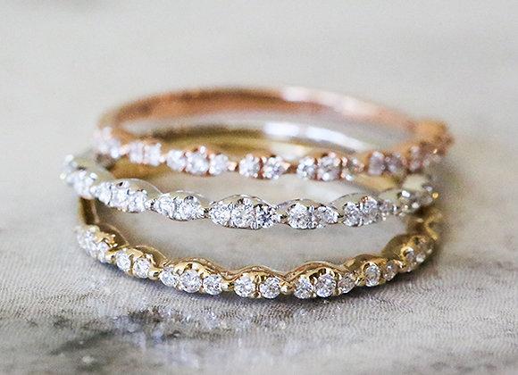 Stackable tri-color gold bands