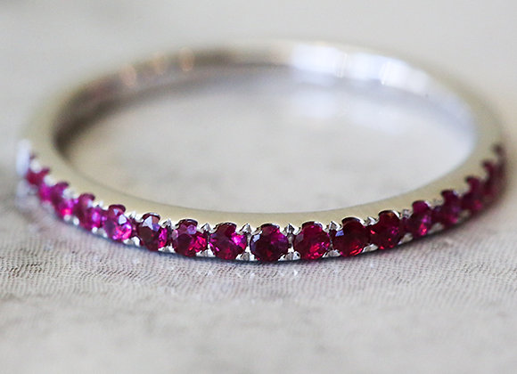 14k white gold and rubies ring