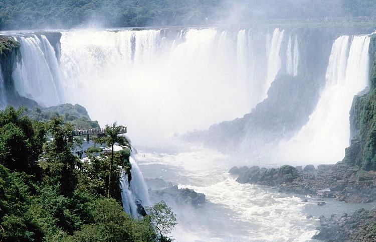 cascate del parco nazionale dell'Iguazù, in Argentina