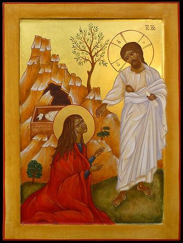 icône de Marie Madeleine au tombeau le christ l'invite à traverser sa douleur à ne pas retenir ce qui est de l'ordre du passé. Qu'elle annonce la résurection!