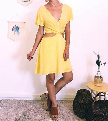 Vestido recortes amarelo