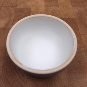 Pilling_Pottery_Dylan's_white_vellum_125