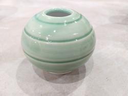 White stoneware and porcelain green 01.