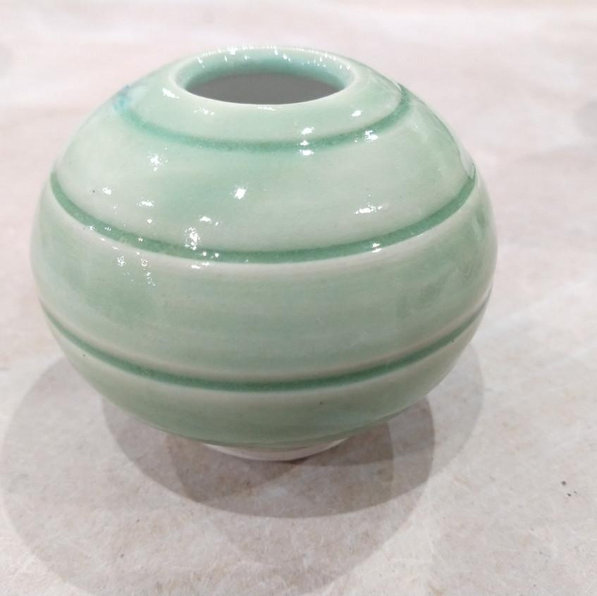 White stoneware and porchelain green 01.