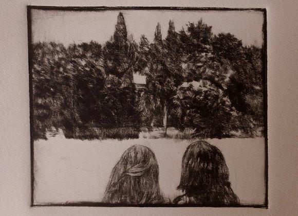 Deux sœurs devant le mas L'Amarine